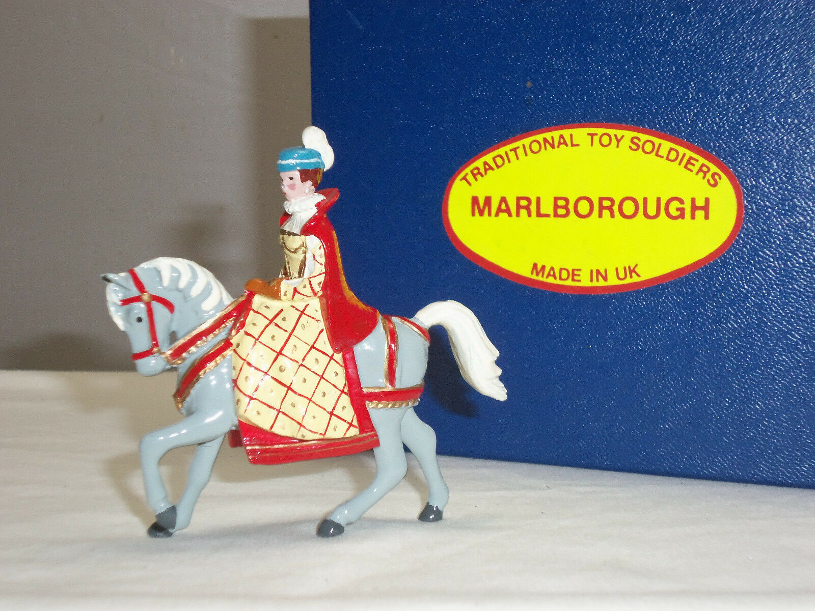 MARLBgoldUGH C2 MARY QUEEN OF SCOTS MOUNTED METAL TOY SOLDIER FIGURE