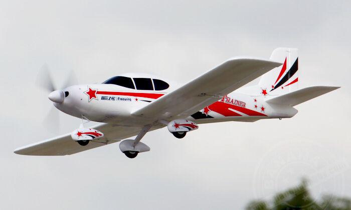 Freewing 55.1in RC Breca EPO Kit versión Avión Con Radio de Batería o