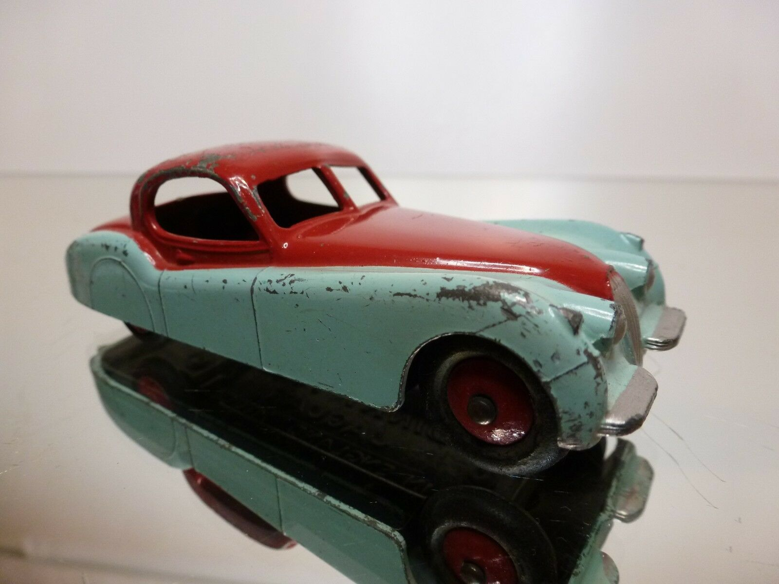 DINKY TOYS 157 JAGUAR XK120 - blueE RED 1 1 1 43 - GOOD CONDITION a9fd1b