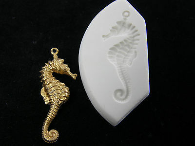 Seahorse Facing Right Polymer Clay Mold (#MD1069)