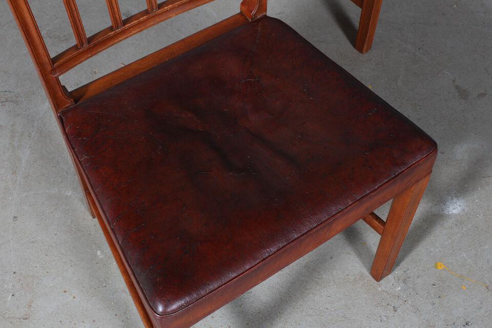 Jacob Kjær. Pariser stolen. Sæt på fire stole a...