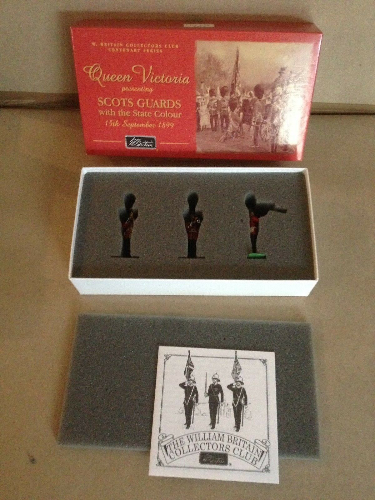 Britains 5994 Queen Victoria Series  Scots Guards Band Set