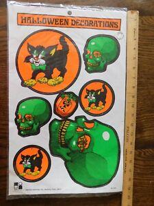 RARE-NIP-Vintage-Halloween-Decoration-Die-cutout-Cat-Skull-Moon-Pumpkin
