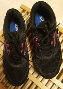 Sz10W Reebok Womens Southrange Running Shoes Black Low Top Lace Up Mesh M41083