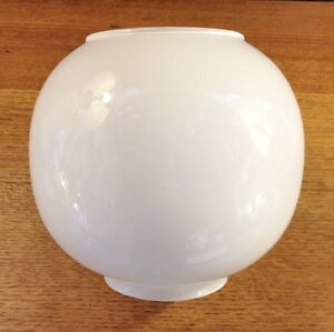 White-Globe-Glass-Oil-lamp-shade-Opal-replacement-vintage-light-Rare-free-p-p