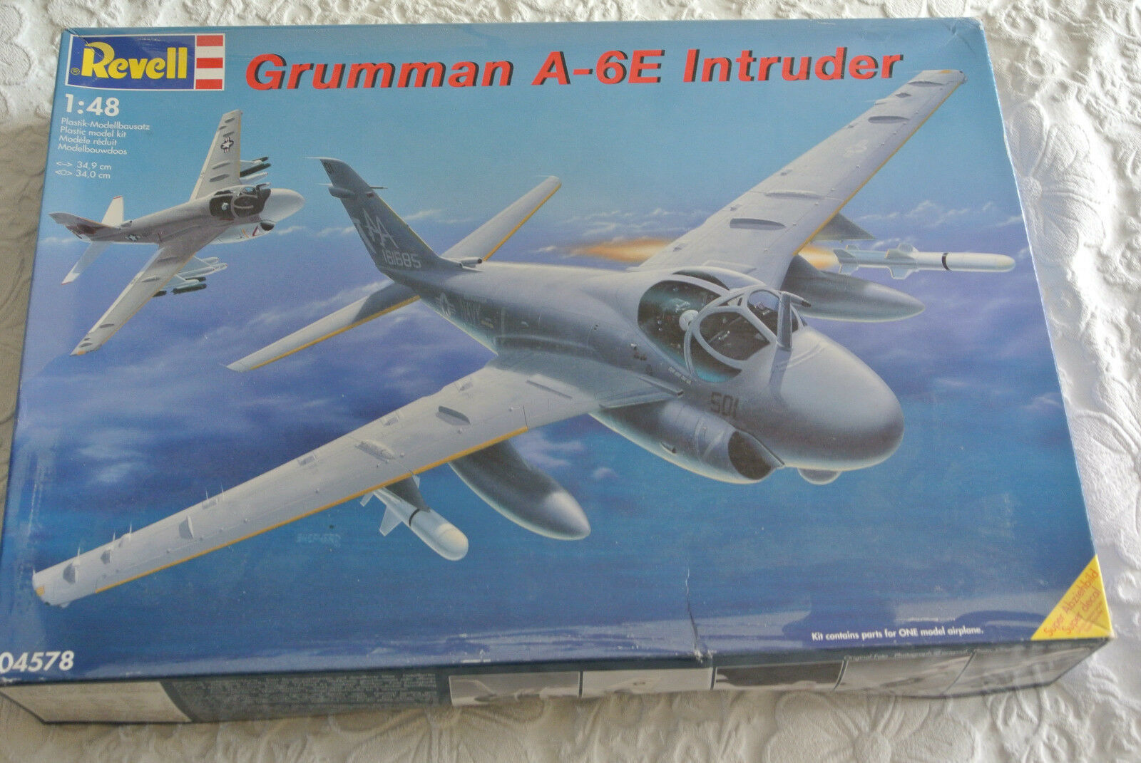 REVELL 1 48 - Grumman A-6E INTRUDER model kit