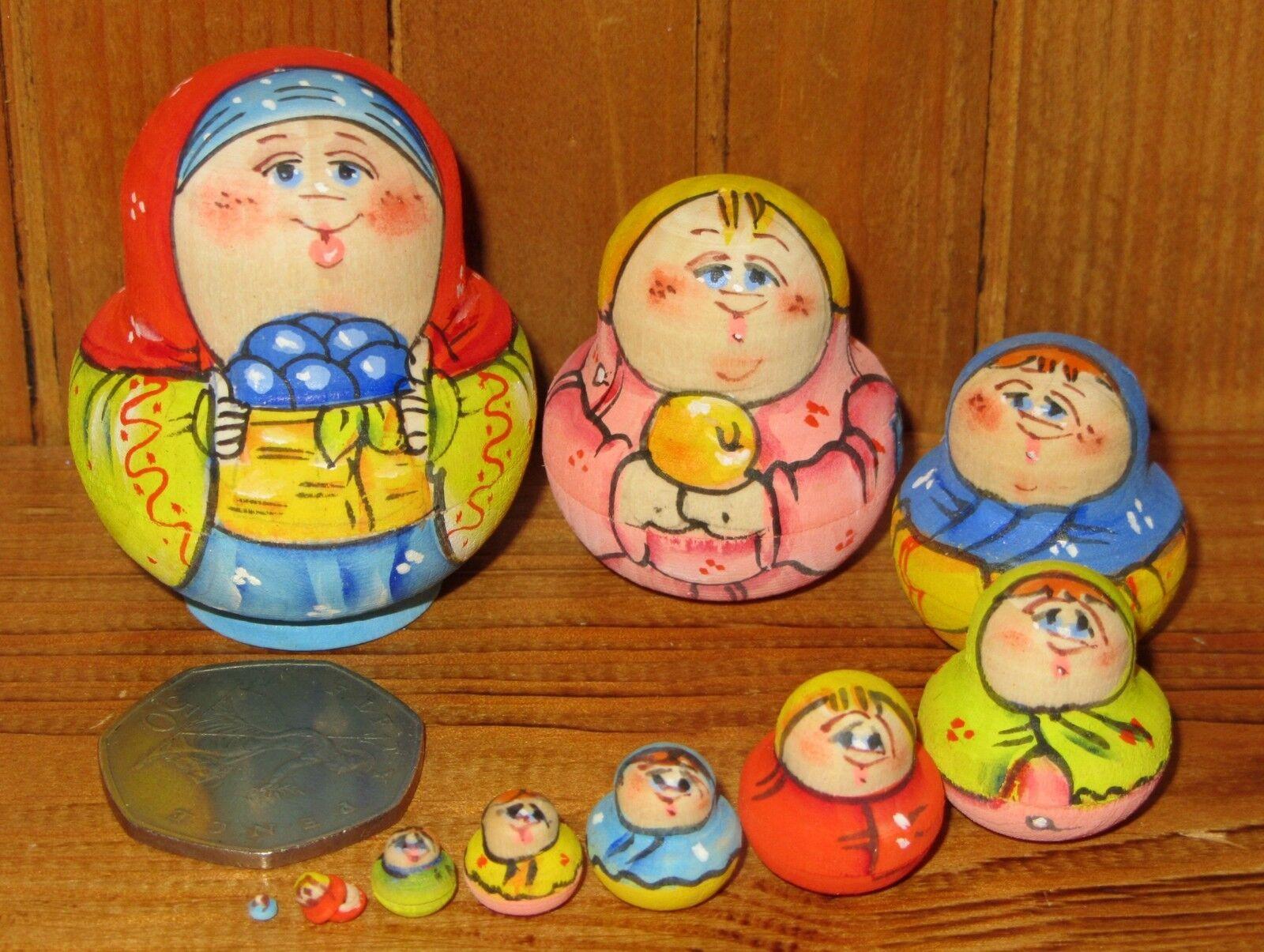 Matrioska Russa Nidificazione Bambola Famiglia  Piccolo 10 Miniatura Bacche Mora  marchio in liquidazione