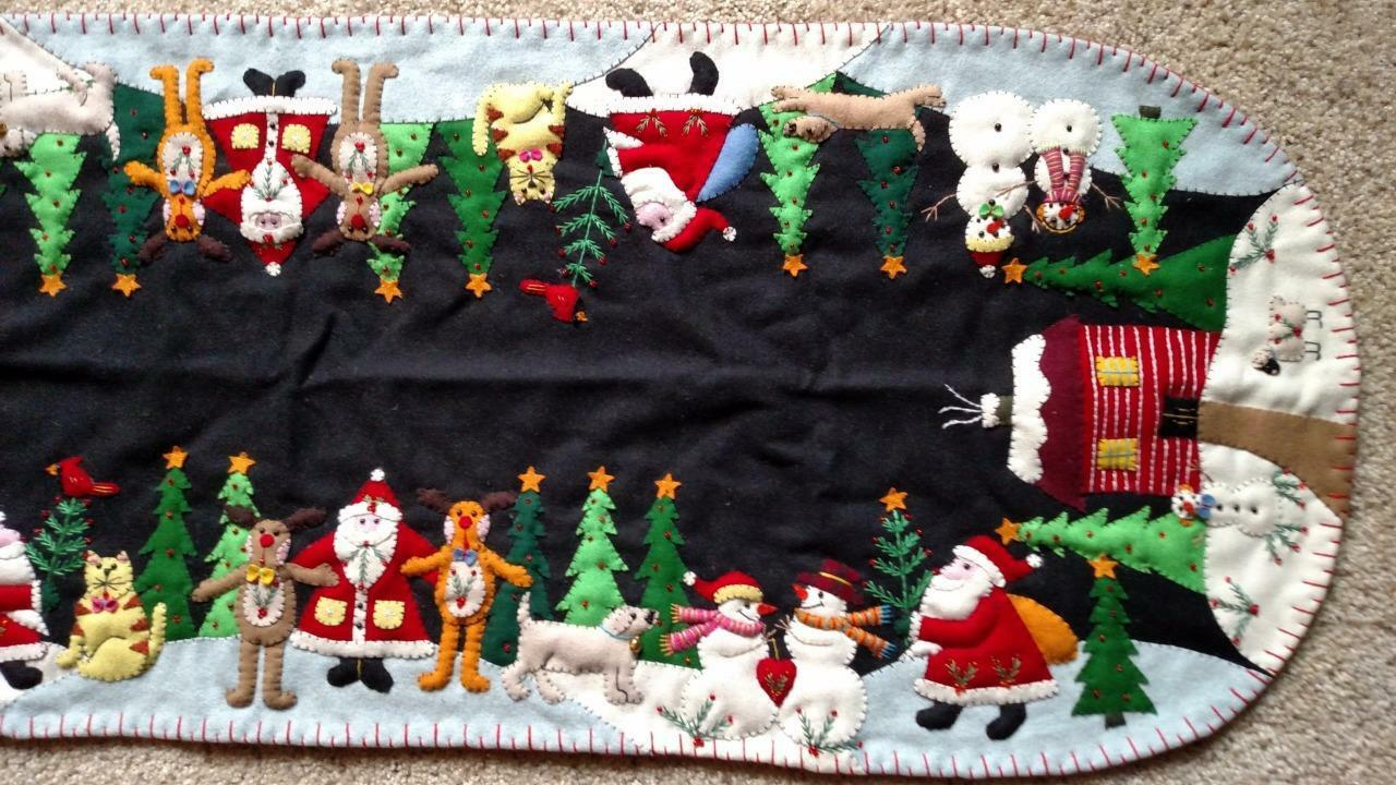 46  Handmade Wool Embroiderot Embroiderot Embroiderot SANTA Reindeer SNOWMAN Pets CHRISTMAS TABLE RUNNER 9ad150