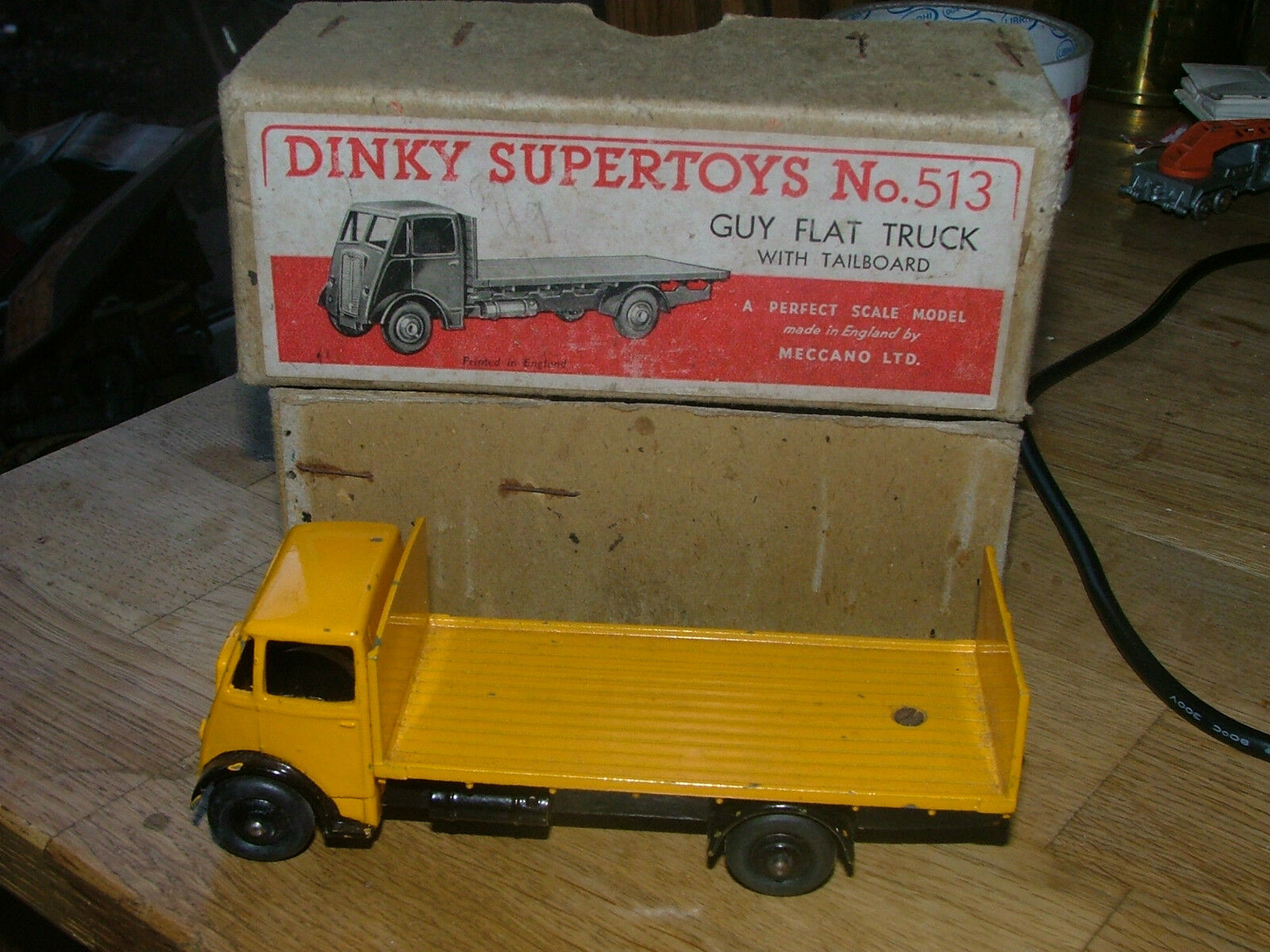 Dinky 513 GUY FLAT TRUCK TRUCK TRUCK Hayon Original Diecast couleur rare N/Comme neuf BOXED | Apparence Attrayante  | 2019  d265c5