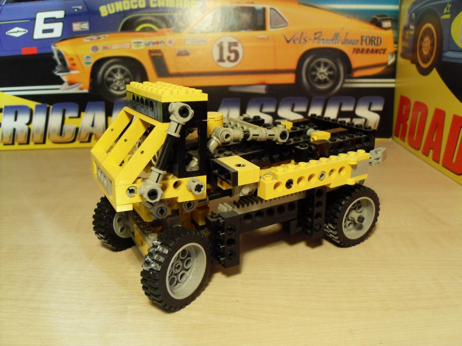 Lego Technic 8852 - Transformer Robot - Has been on display.