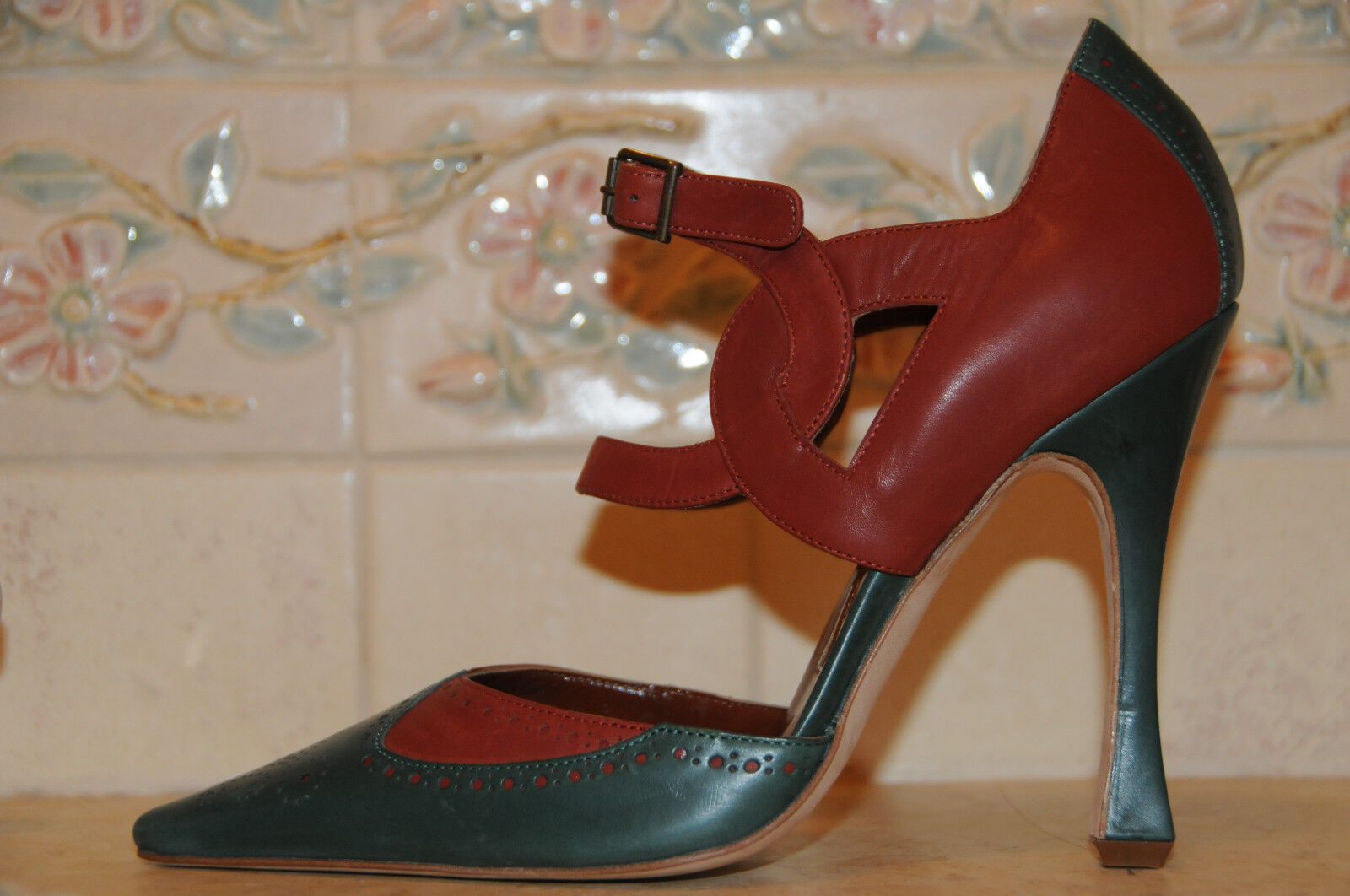 New MANOLO BLAHNIK ERINA verde Brown Heels Pumps SCARPE 37 6.5