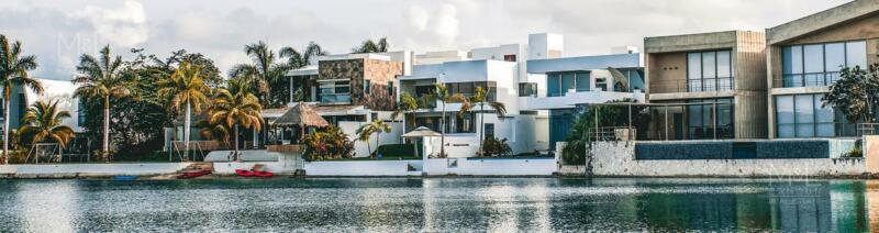 Terreno en venta en Cancún Lagos Del Sol. Manzana Faisanes con Vista al Lago  987 m2