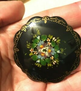 Russian-USSR-Vintage-signed-hand-painted-brooch