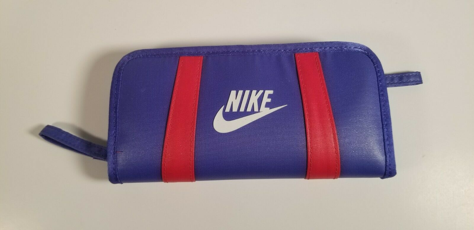 RARE COLOR NIKE WOMEN'S BI-FOLD ZIP WALLET FOR CREDIT CARDS COINS AND MORE