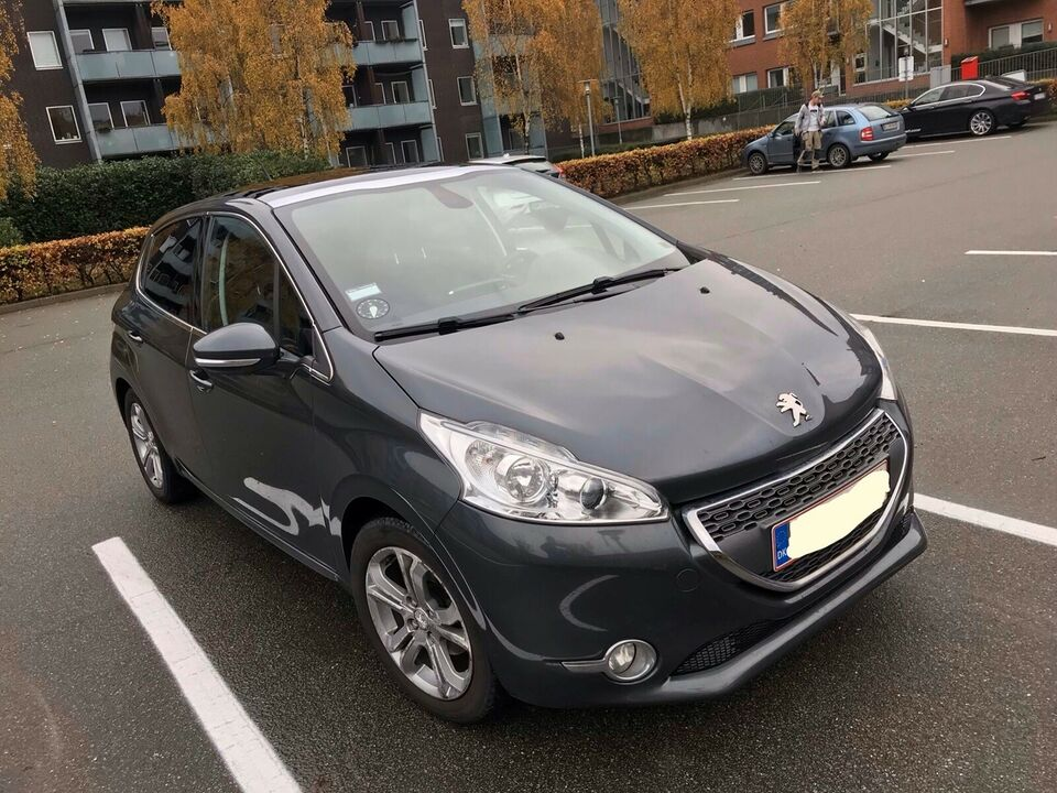 Peugeot 208, 1,2 VTi Allure Sky, Benzin