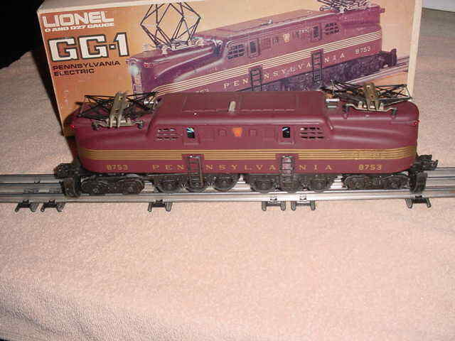 LIONEL GG-1 ELECTRIC DIE-CAST ENGINE PRR       0-027
