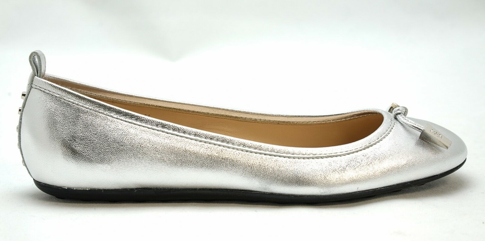 New in Box Tod's Silber Leather Ballerina Flats HOP770