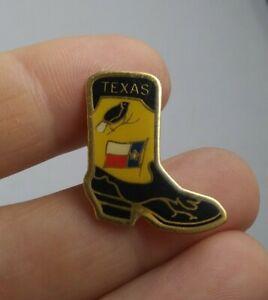 Vintage TEXAS Cowboy Boot Souvenir pin button pinback *ee4