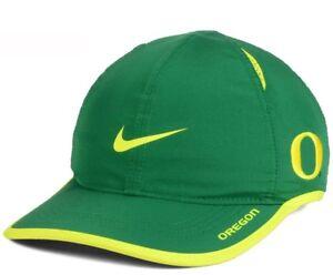 Image is loading Brand-New-Oregon-Ducks-Nike-Featherlight-Adjustable-Hat- 6c8e17eb334