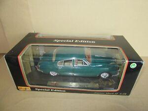 933G-Maisto-31833-Jaguar-Mark-II-1959-Vert-1-18