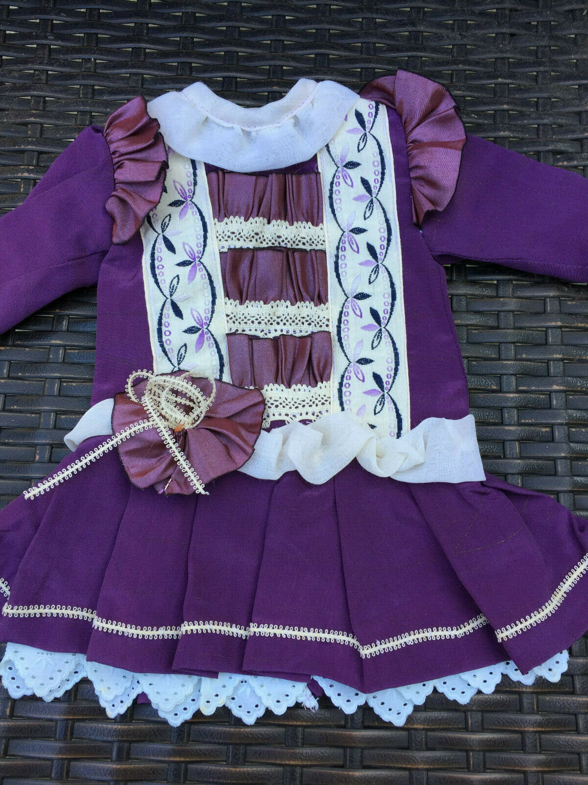 ANTIQUE silk dress for FRENCH doll 4-6 Jumeau Steiner Bru antique lace