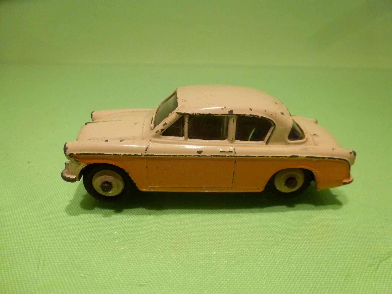 DINKY TOYS 166 SUNBEAM RAPIER - - - TWO TONE YELLOW 1 43 - GOOD CONDITION cb5000