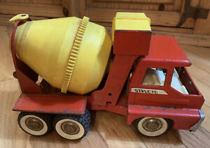Vintage-Structo-Red-Cement-Mixer-Truck-1960-039-s-Yellow-Mixer-Pressed-Steel-12-inch
