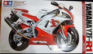 Yamaha-YZF-R1-Tamiya-Kit-1-12-14073-Nuovo