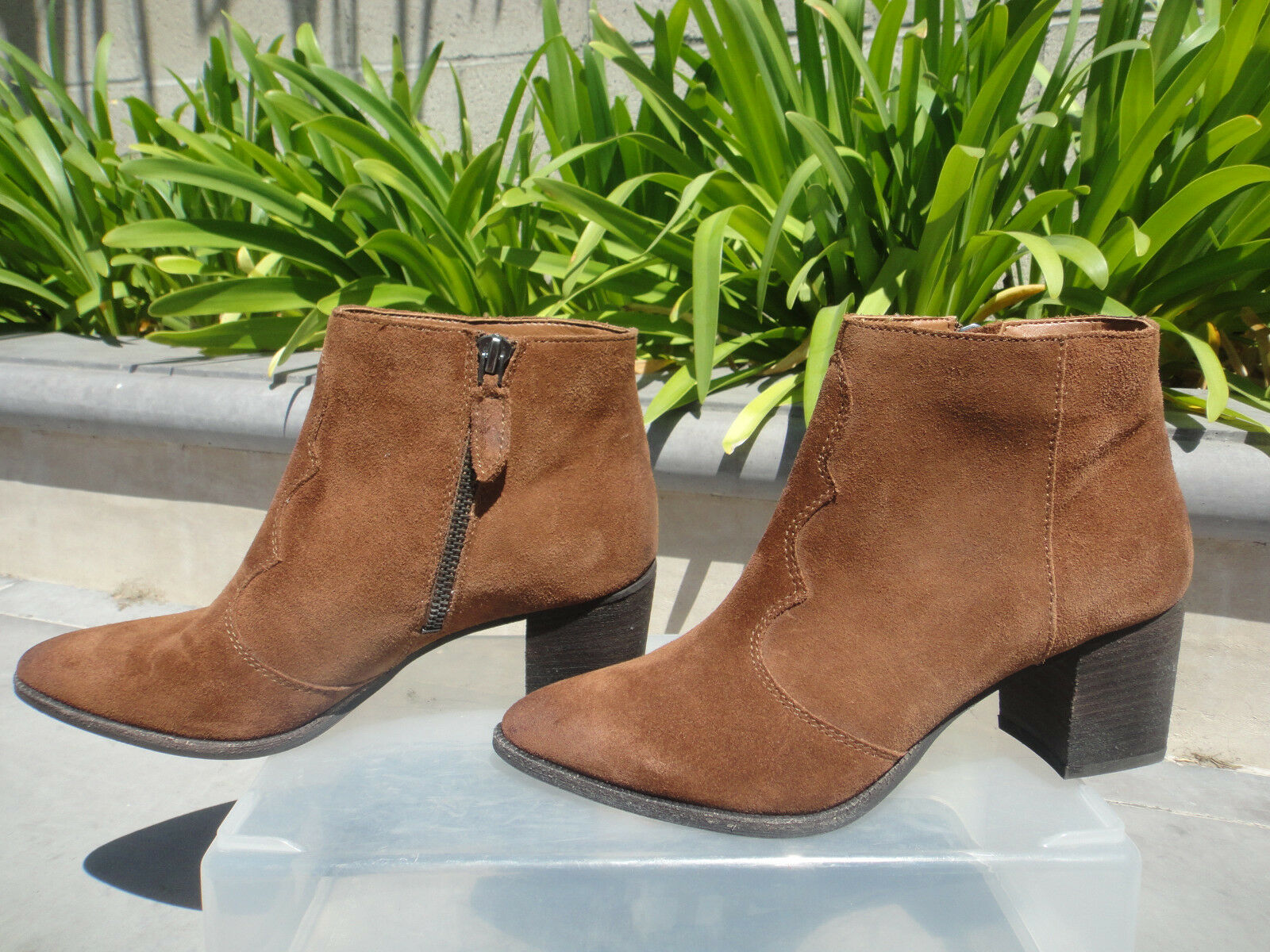 Dolce Vita, LENNON Bootie, Acorn Suede w/Pointed Toe & Topstitching MSRP 160 6M