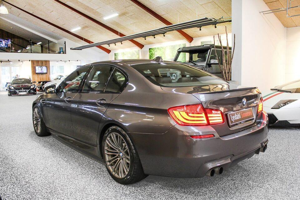 BMW M5 4,4 aut. Benzin aut. modelår 2012 km 95000 Brunmetal