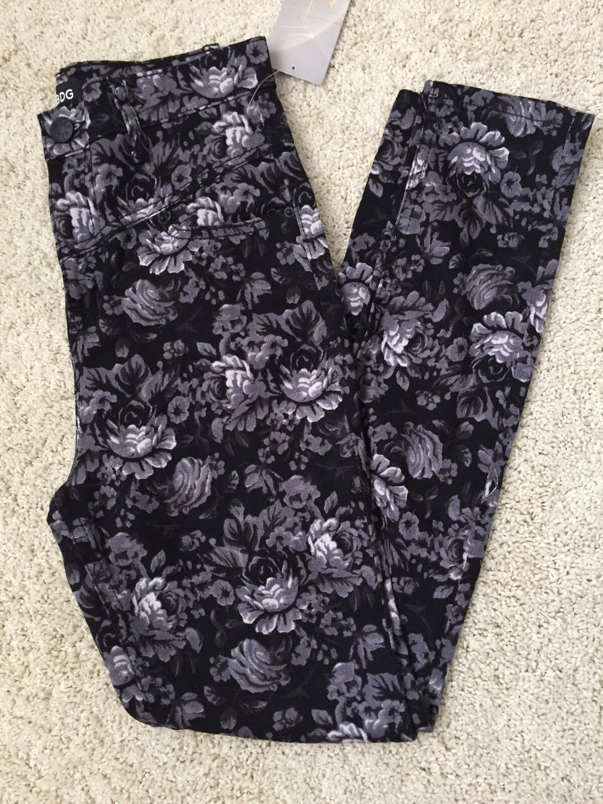 NWT BDG Floral Skinny Jeans Size 26
