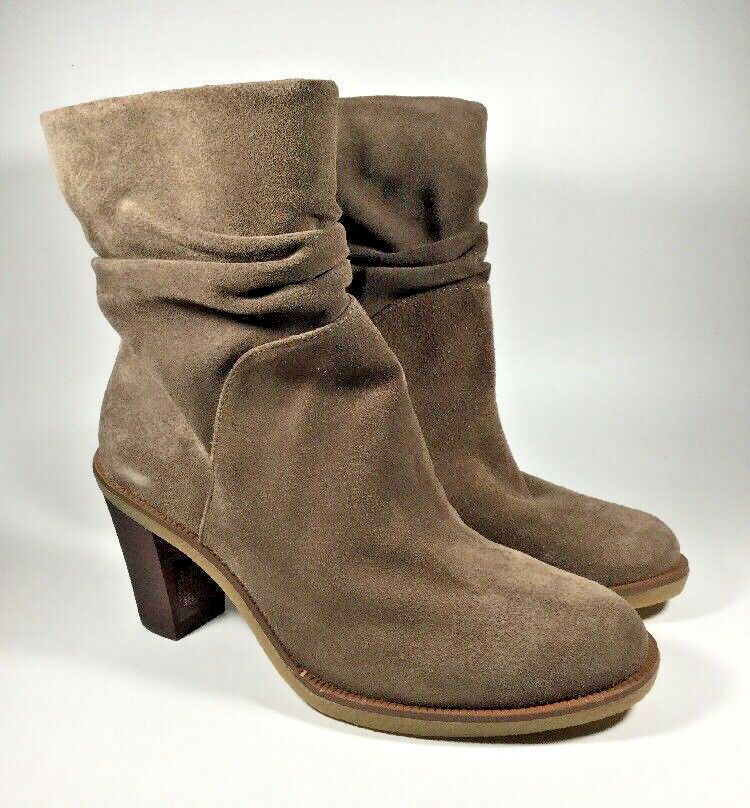 M3313 PreOwned Women's Vince Camuto Parka Slouch Bootie US 8 M