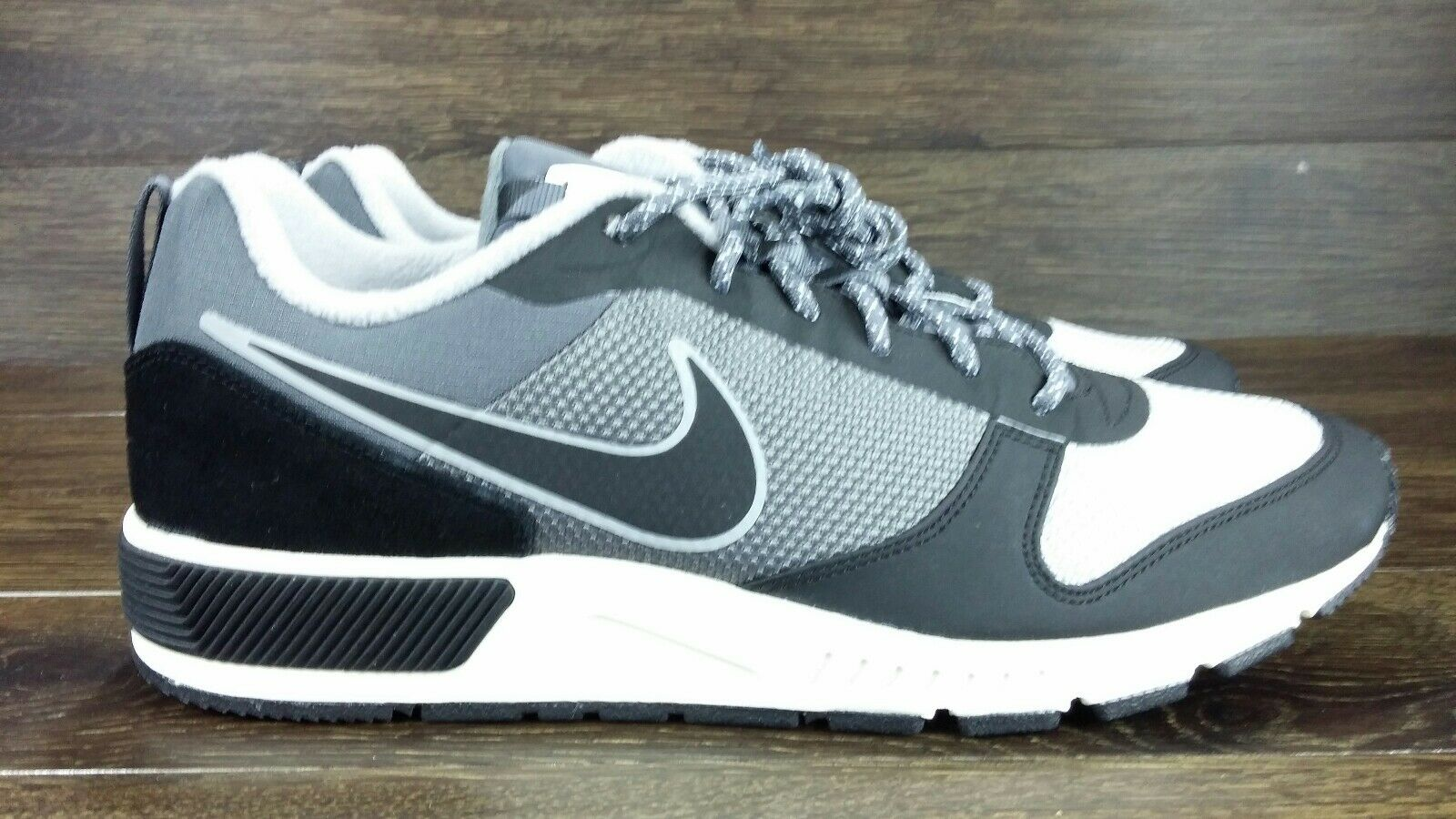 NIKE FACTORY SAMPLE NIGHTGAZER TRAIL GREY WHITE 916775 003 MEN'S SIZE 9 NEW WOB