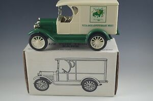 ERTL-1923-CHEVROLET-1-2-TON-TRUCK-NASHVILLE-COIN-BANK-DIE-CAST-1-25-SCALE-MIB