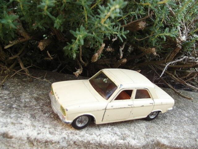 Peugeot 304 1/43 Die cast metal car jouet PILEN moule DINKY TOYS auto miniature