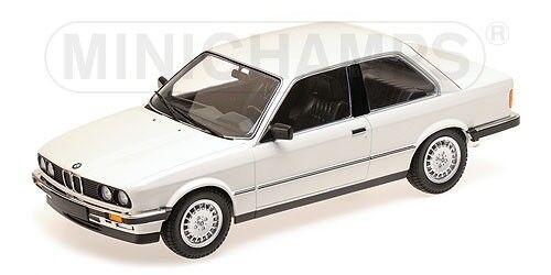Minichamps 155026005 - BMW 323I – 1982 – blanc 1  18  bon prix