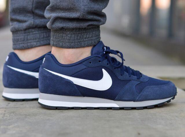 nike md runner 2 navy blue sneakers