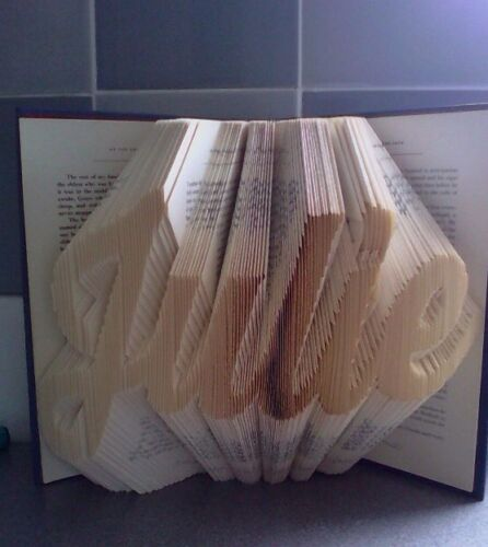 318 Folds Folded book art folding pattern Julie Cursive font #090