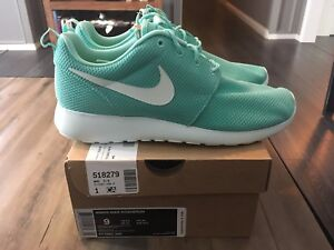 c91503487f7c2 Nike Roshe Run Tropical Twist Trace Blue Size 9 Womens 7.5 Mens ...