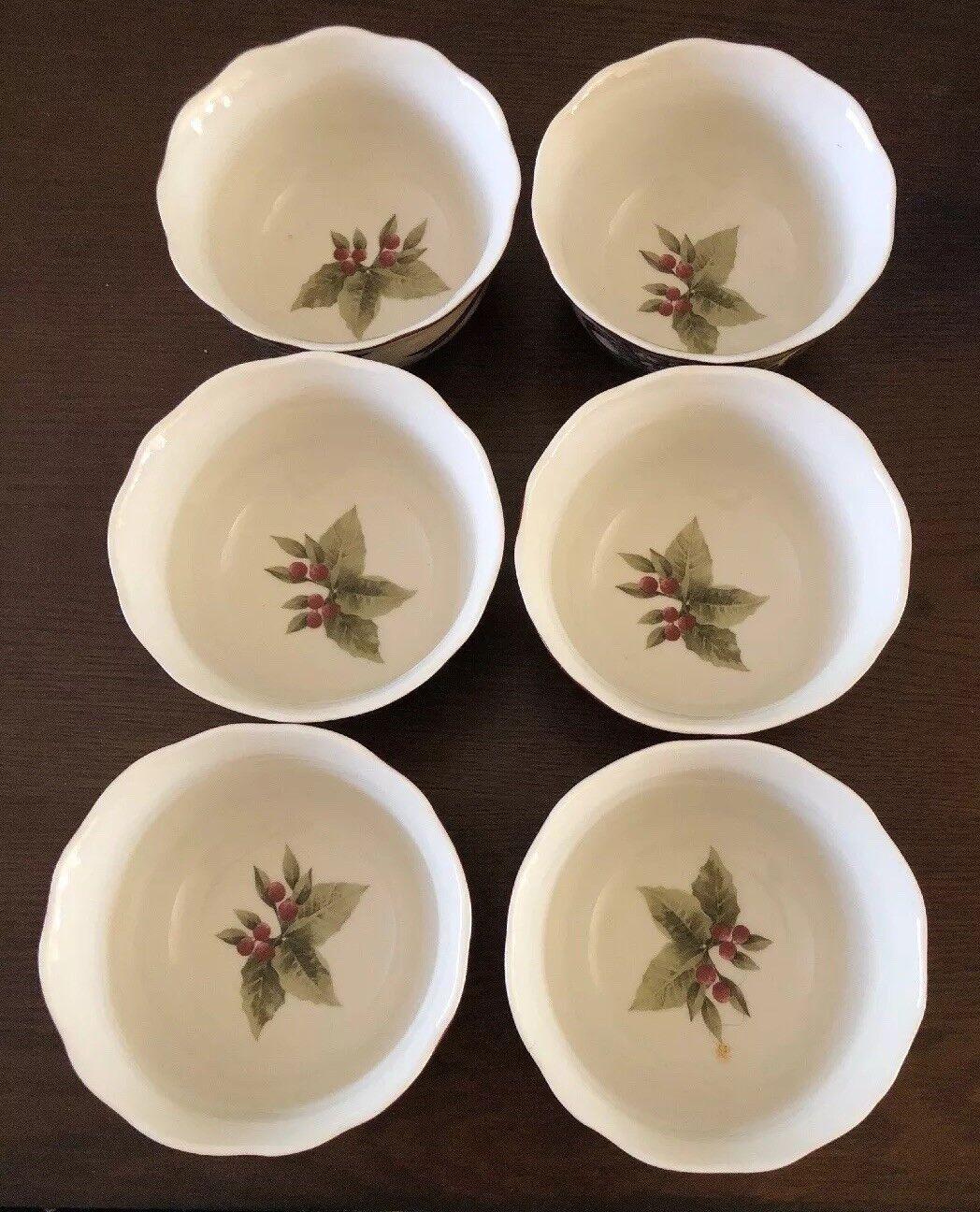222 Fifth Yuletide Celebration porcelaine vacances bols à soupe Lot de quatre nouveaux