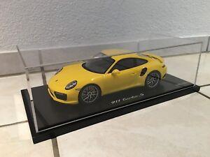 Spark-1-18-Porsche-911-997-II-Turbo-S-Facelift-Racing-gelb-Modellauto-NEU