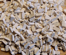 LOT OF 200 WHITE UN-PAINTED BRICKS 1:35 SCALE  DIORAMA MINIATURE NEW !