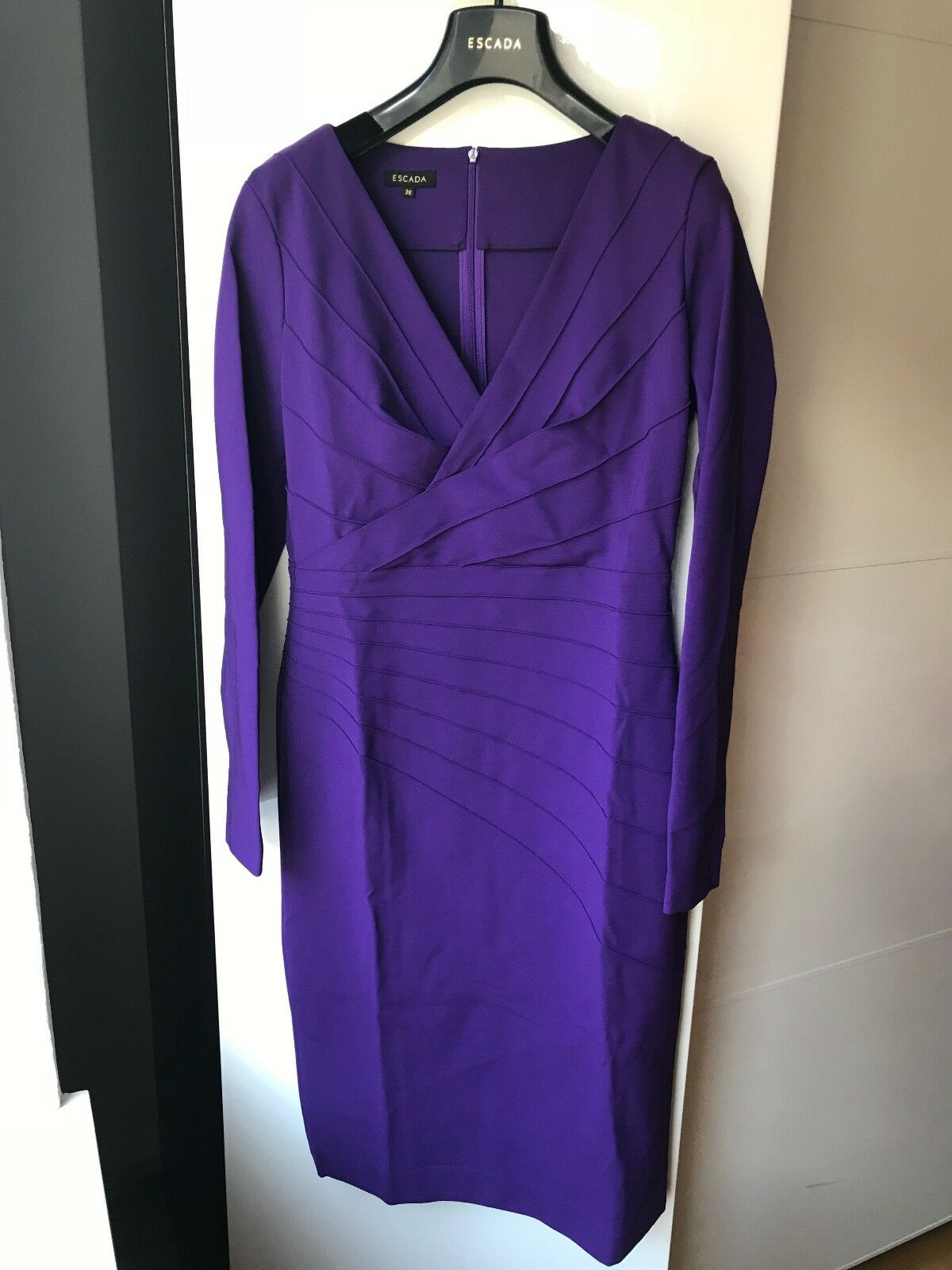 ESCADA Kleid - dunkel lilat - - - Größe 36 - NEU ab5918