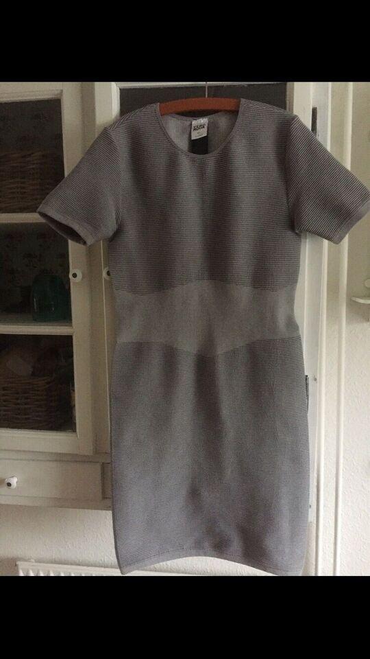 Anden kjole, Vero moda, str. M