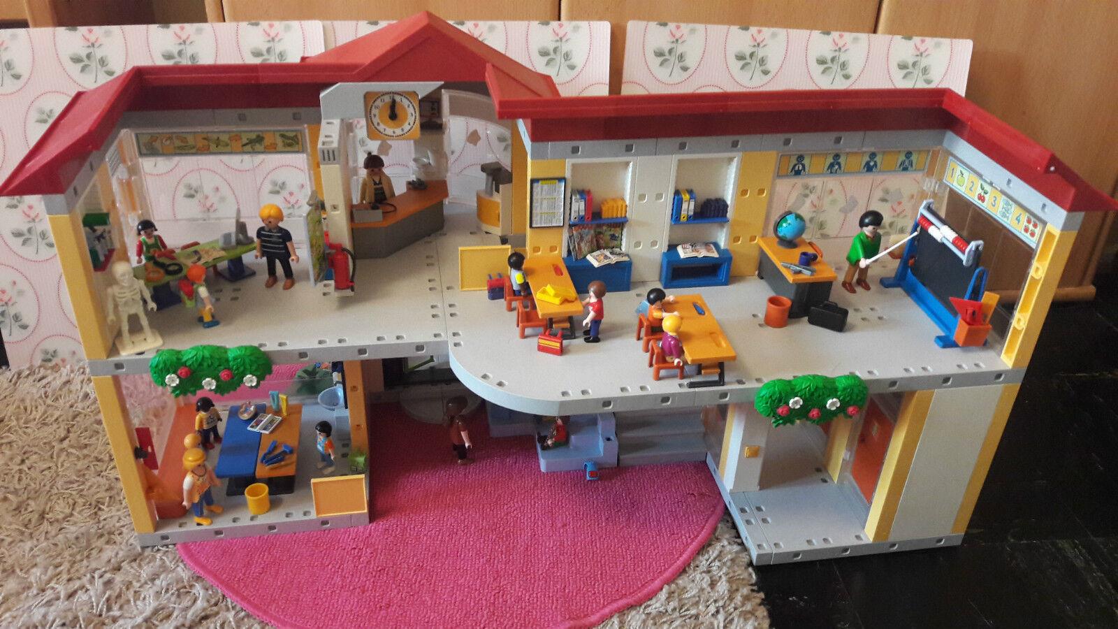 Playmobil Schule mit sehr viel Zubehör