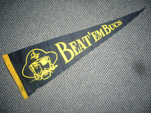 1960'S PITTSBURGH PIRATES BEAT EM BUCS PENNANT ROBERTO CLEMENTE EXCELLENT