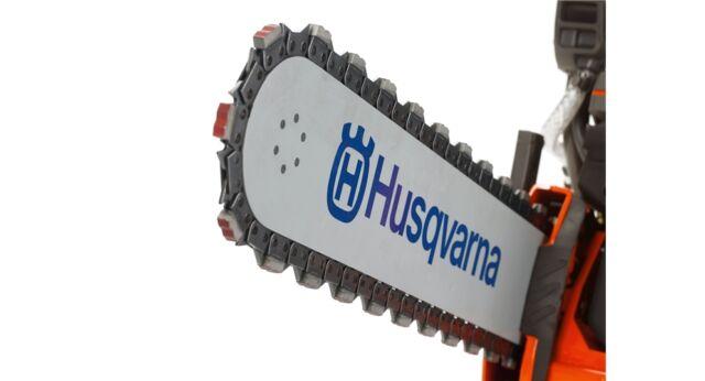 "Husqvarna K970 Chain Saw - Concrete Cutting Chainsaw w/ 14"" Bar & Diamond Chain"
