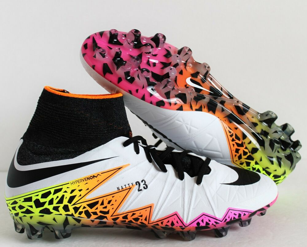 NIKE HYPERVENOM PHANTOM II AG ARTIFICIAL-GRASS blanc -Noir  Chaussures de sport pour hommes et femmes