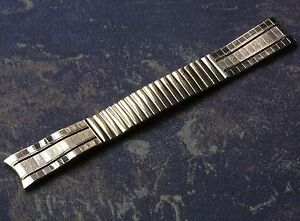 JB-Champion-USA-gold-vintage-NOS-watchband-17mm-curved-ends-NOS-from-1960s-70s