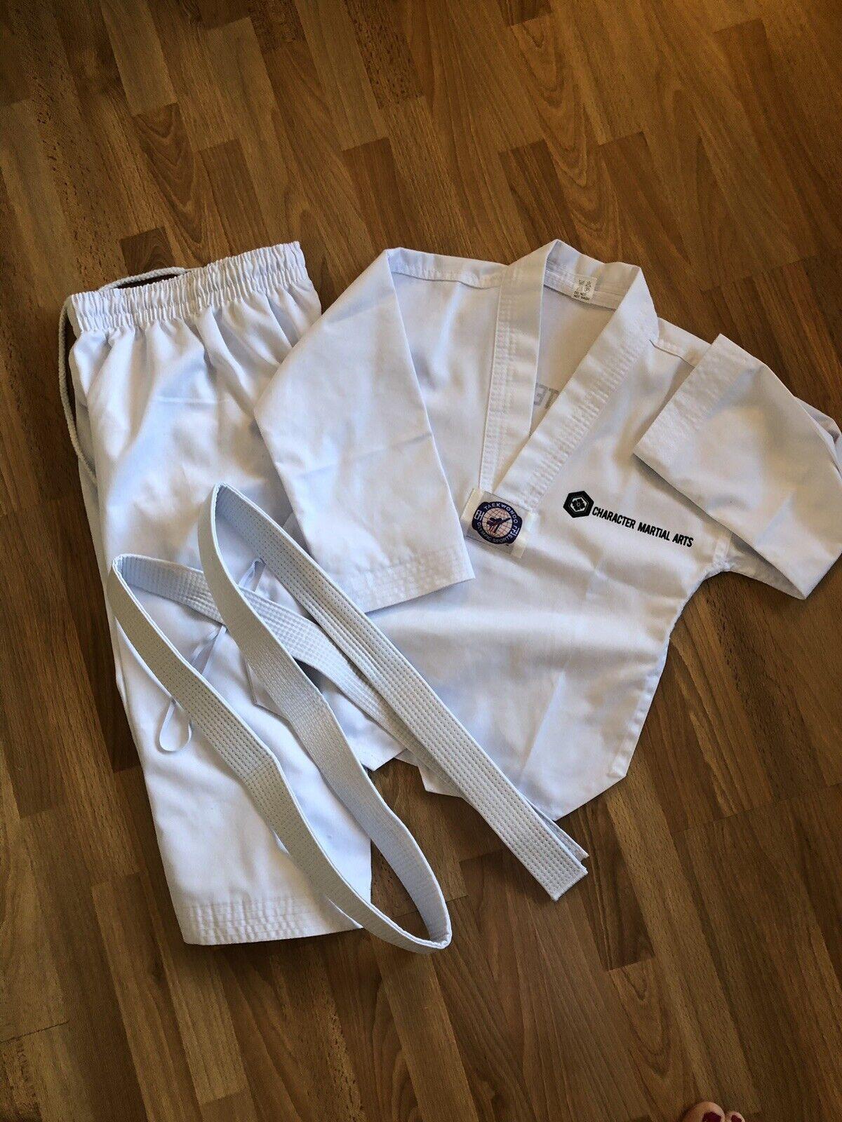Karate Taekwando MMA Uniform Gi Robe Outfit, Size 110cm